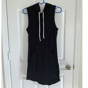 Heart and Hips black hoodie dress, small